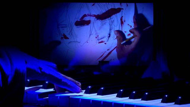 Flores en el piano